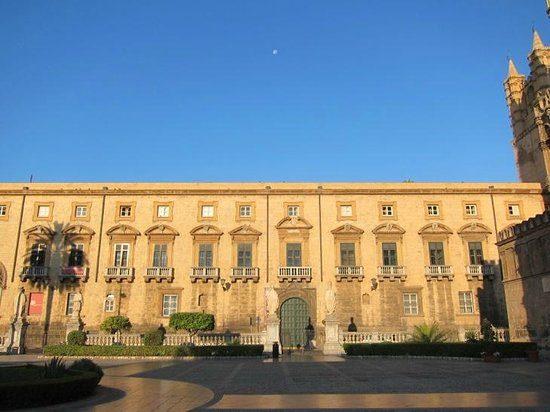 Palazzo arcivescovile di Palermo